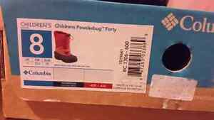 Children's Colombia snow boots  size 8