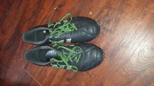 Adidas Soccer Cleats Size 9 London Ontario image 2
