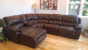 Luxurious Sectional Couch / Divan sectionnel luxueux
