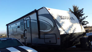 2016 Kodiak Ultra Lite Travel Trailer Like New!