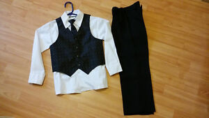 Boy's Suit size 6X