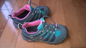 Keen shoes size 13