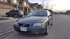 Volvo 2006 S60 2.5 Turbo - Leather - Sunroof - Mint Condition