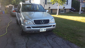 1999 Mercedes-Benz 500-Series SUV, Crossover
