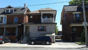 DUFFERIN & ST.CLAIR - Bachelor basement apt. - Students welcome
