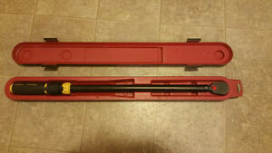 """Stanley Torque Wrench 1/2"""" 20-250 ft-lb"""