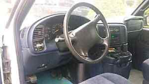 """1997 Safari Cargo Van, vortec V6, 15"""" wheels London Ontario image 6"""