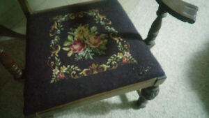 Antique chair Cornwall Ontario image 3