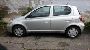 2005 Toyota Echo Tout équipé Bas Millage (AUBAINE)