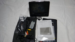Eviant 7 inch Portable LCD TV