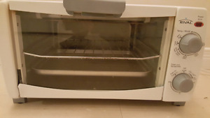 RIVAL TOASTER OVEN