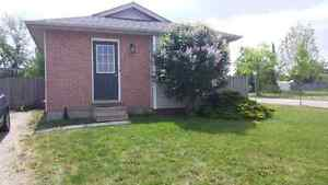 Fanshawe Students! The Best Choice In House Rentals! London Ontario image 5