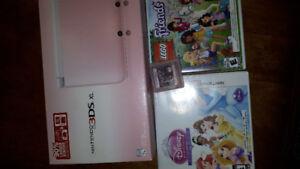 Nintendo 3DS XL rose et 3 cassettes