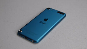SELLING BLUE IPOD 5 - MINT CONDITION