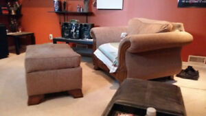 Couch, loveseat, ottoman and coffee tables