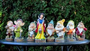 Reduced price Snow White and 7 Dwarfs garden gnomes