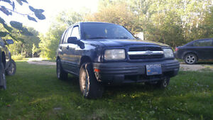 Safetied 2000 Chevrolet Tracker 5spd