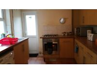 Room to rent in a 3 bedroom house in Cathays