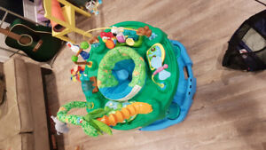 Baby play saucer