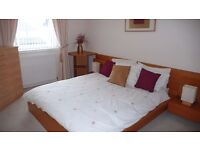 Short Let Available – All Bills Included - Modern, Spacious 2 Bed Flat, Fully Furnished, w/Parking