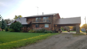 Beautiful Log Home Acreage for rent
