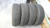 4 pneus d'hiver 205/75/R15 tres bon état