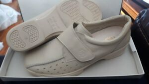 Rohde Women's Shoes-Size:5.5  brand new in box