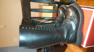 Women's leather punk boots