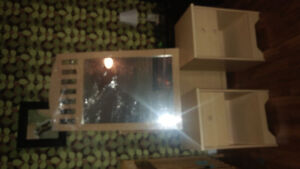 For sale 2 drawers and a mirror!!