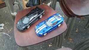 Large die cast cars 10$ each or both for 15$ Kingston Kingston Area image 1