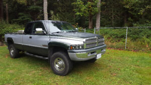 **low kms** 1997 Dodge Ram 2500 Laramie Pickup Truck