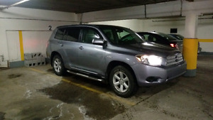 TOYOTA HIGHLANDER 2008  HYBRID  4X4 VERY CLEAN