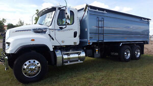 2016 FREIGHTLINER 114SD 20FT CANCADE GRAIN BOX