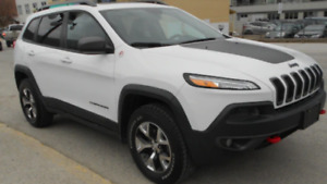 Jeep Trailhawk only 20k and oil change pkg included!