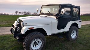 White 1975 Jeep CJ5 (1992 RBT Jeep TY)