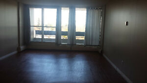 Available ImmedBeautiful 1 BR - ALL UTILITIES Included - $875.00