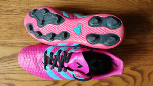 Soccer shoes and shin pads for girls size 5