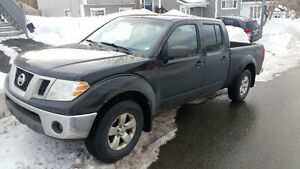 2009 Nissan Frontier, 4X4 King Cab, 10,000$ all taxes/fees paid