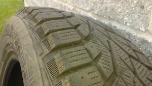 4 pneus d'hiver 15'' 195/65 R15 bonne condition