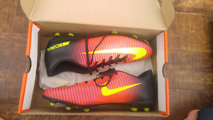 New nike soccer shoes