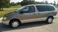 1999 Toyota Sienna Minivan
