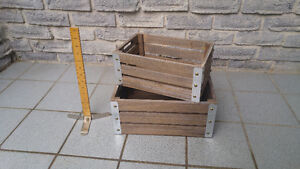 SMALL WOODEN STORAGE CRATES
