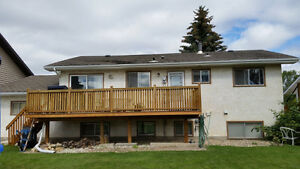 Nice Home in River Heights/Lawson Heights Neighbourhood