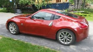 2013 Nissan 370Z Coupe (2 door) with extended warranty