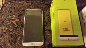 LG G5 Silver Brand new With Fido