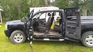 2010 Chevrolet Silverado 1500 Black Pickup Truck
