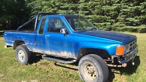 4X4 Toyota 5 spd truck, extended cab, fuel injected 1984