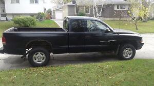 2001 Dodge Dakota Pickup Truck