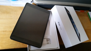 IPad Mini - 16 GB - In Box - Accessories