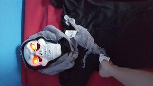 costumes d'Halloween neufs G8/F10